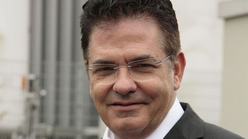 Portraitfoto Prof. Dr.-Ing. Bernd Epple