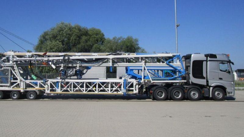 Transport der Workover-Anlage