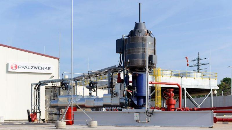 Außenansicht der Geothermieanlage der Pfalzwerke in Insheim
