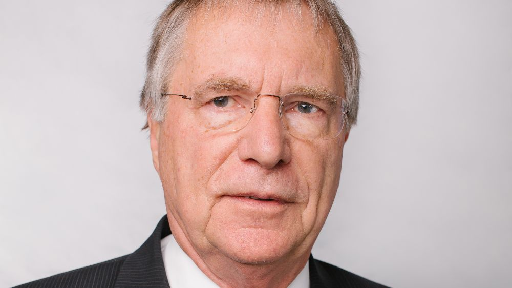 Portraitfoto Joachim Oppelt