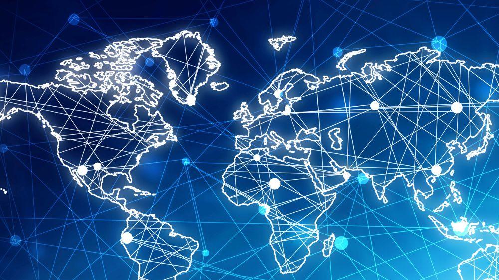 Eine in weiß und blau gehaltene Weltkarte mit Linien als Symbol der Vernetzung.