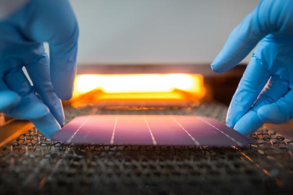 Im Projekt konnte die Aushärtung der Niedertemperatur-Metallisierung in verschiedenen Ofen-Systemen studiert und die notwendige Prozesszeit um 80 Prozent reduziert werden.